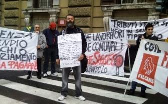 Michele Panella a Roma, 4 maggio, protesta lavoratori tributi (S.10)