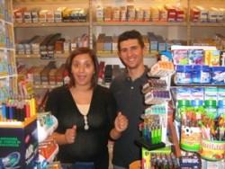 Interno tabaccheria Fusco in corso Manfredi, dove è stato comprato il biglietto milionario (Stato)