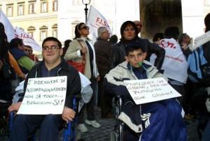 Con la Manovra taglio ai disabili (fonte image: larepubblica.it)