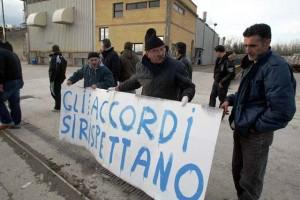 Cartiera che vai discussione che trovi, a Empoli proteste nella Cartiera Molin Nuovo (fonte image: gonews)