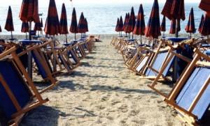 A Mattinata contenzioso gestore Lido-Albergo per spiaggia dei Faraglioni (image matinela.it)