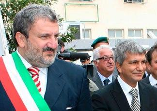 Emiliano e Vendola (ilsole24Ore.it)