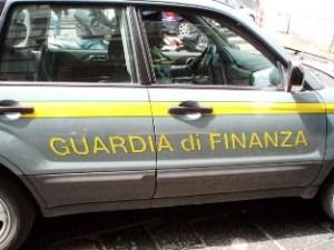 Guardia di Finanza auto (image: video-com.it)