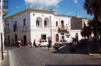Corso Matino, Mattinata, nei pressi di Palazzo di Città (fonte image Stato) ARCHIVIO