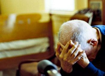 Anziano truffato (fonte image archivio, ilgazzettino)