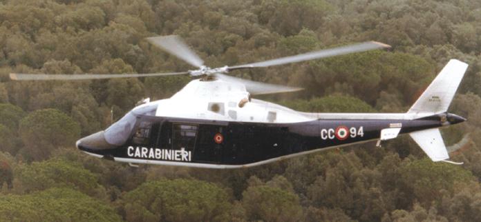 Elicottero, controlli CC (st@) IMMAGINE D'ARCHIVIO
