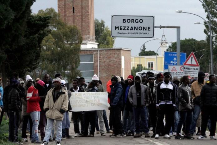 Passate proteste a Borgo Mezzanone da parte di ospiti del CARA (ph: V.Maizzi)