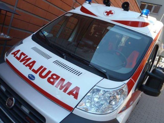 Ambulanza (archivio - IMMAGINE NON RIFERITA AL TESTO)