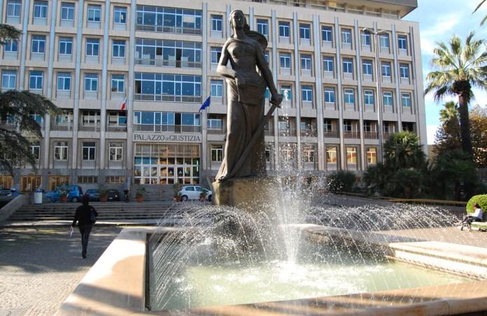 Palazzo di Giustizia di Bari (ph: ambiente e ambienti)