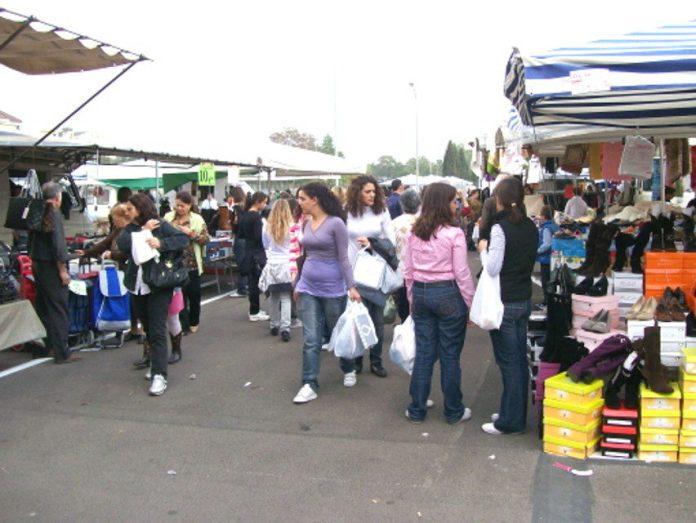 Mercato del venerdì a Foggia (ph: FOGGIATODAY)
