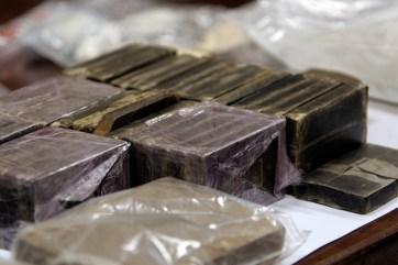 Parte della droga sequestrata (Ph: V.MAIZZI)