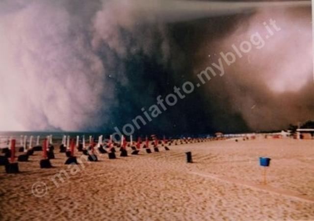 Agosto 1994, quando una tromba d'aria 'spaventò' Manfredonia