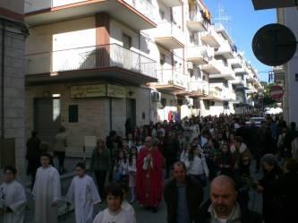 2007-Processione -Domenica delle Palme-Parrocchia del Carmine, con don Giovanni D'arienzo, ex parroco della chiesa del Carmine