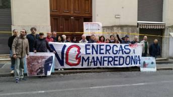 no energas manfredonia - Passata manifestazione fuori il Mise a Roma