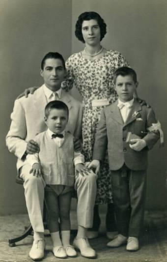 Famiglia Catalano-Prima Comunione Mimmo Catalano
