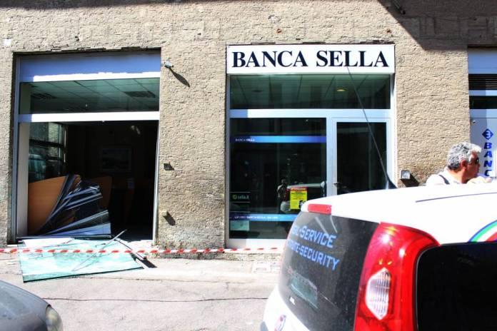 BANCOMAT BANCA SELLA (PH ENZO MAIZZI)