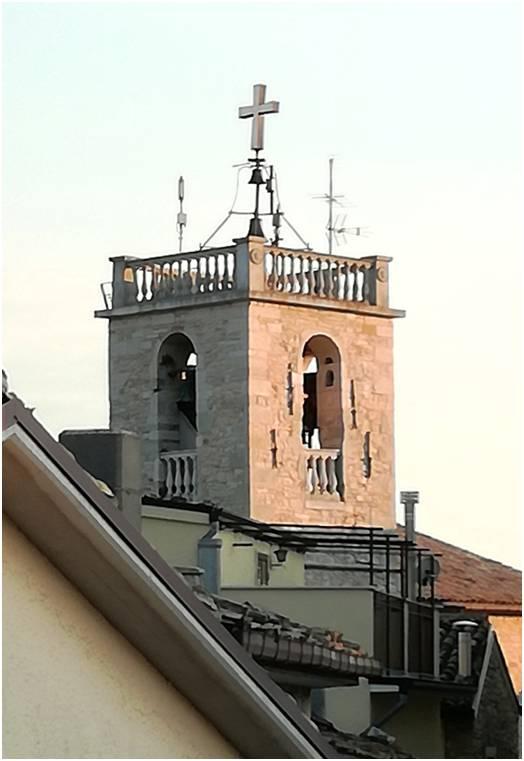 campanile della Chiesa Madre di Roseto silenziato nelle ore notturne