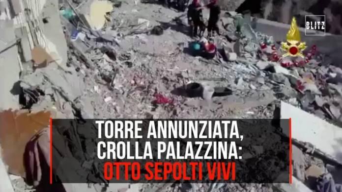 Torre Annunziata, crolla palazzina: otto sotto le macerie