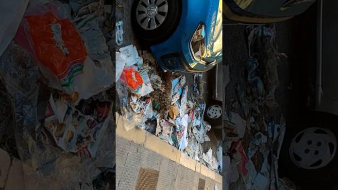 Manfredonia, rifiuti in Piazza Giovanni Bovio. Video denuncia cittadino
