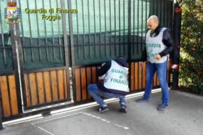 SEQUESTRI BENE GUARDIA DI FINANZA (PH ENZO MAIZZI)