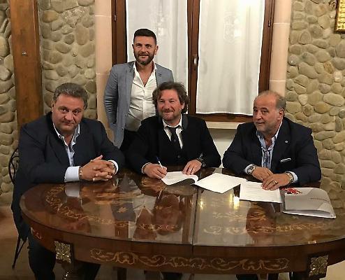 Di Bari, con Stroppa e i fratelli Sannella - PH LETTEREMERIDIANE.IT