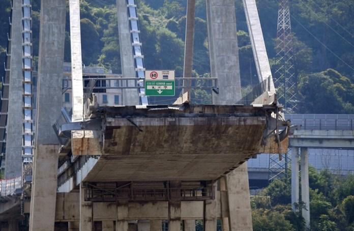 Lo stato della parte ovest di ponte Morandi a Genova, 23 agosto 2018. ANSA/LUCA ZENNARO