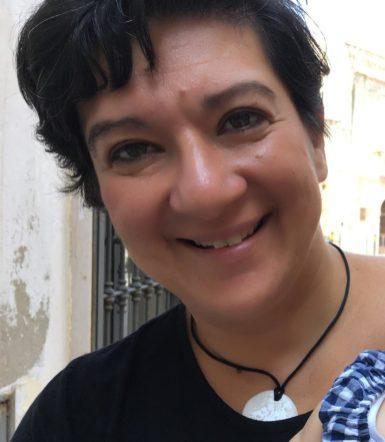 La scrittrice, prof.ssa Marialuigia Troiano autrice del libro -la Maledizione delle Stele-