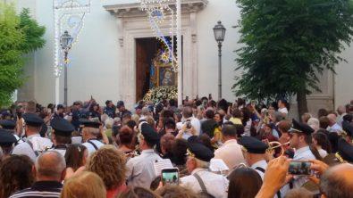 Manfredonia - 16 luglio 2019-Uscita Sacro Quadro- Santa Maria del Carmine dalla Chiesa per la processione