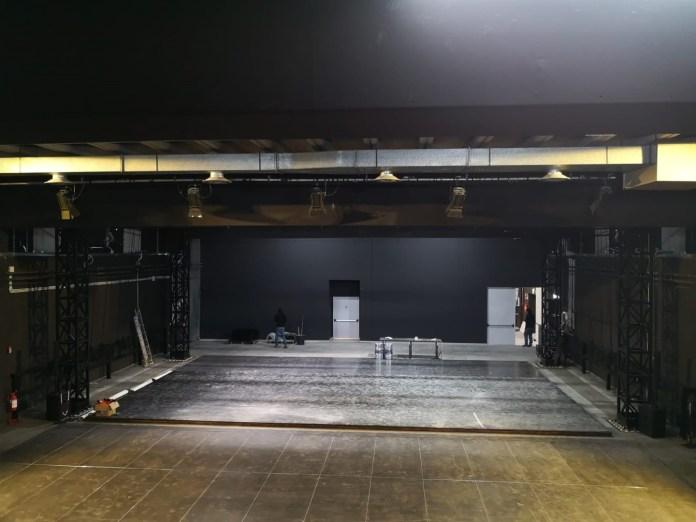 Una nuova Sala Teatro con capienza raddoppiata, pronta ad ospitare fino a 400 spettatori, un progetto che si inserisce in continuità con i precedenti lavori di rinnovo del foyer del Kismet – Teatri di Bari, che ad oggi può accogliere fino a 150 persone e ospita anche un american bar e gli studi di Radio RKO.