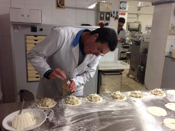 E' deceduto domenica 17 maggio il sig. Francesco Guerra, noto imprenditore del settore alimentare. Era nato a Manfredonia il 13 dicembre 1955.