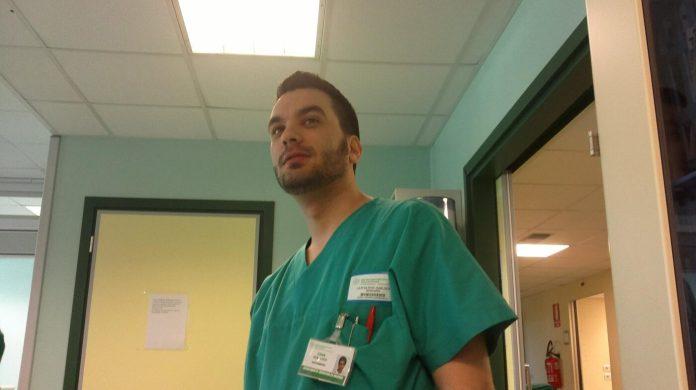 Gianluca Castigliego (Infermiere presso il Centro Rianimazione Covid_19 del Policlinico Riuniti di Foggia)