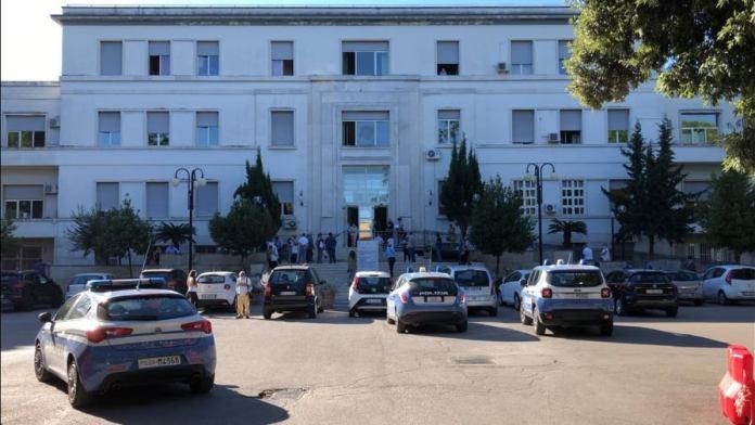 Davanti all'Ospedale D'Avanzo (31 agosto 2020)