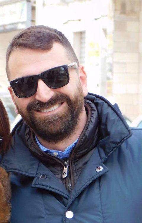 IL SIG. ROBERTO BASTA di Manfredonia, autore del salvataggio della moglie, dei 2 figli, e di altre 4 persone.
