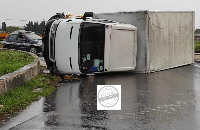 Spaventoso incidente stradale questo pomeriggio sulla rotatoria tra via Napoli e la circumvallazione di Foggia