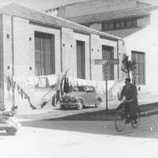 1955-Facciata-in-via-Tribuna-del-mulino-pastificio-reparto-utlizzato-per-asciugare-la-pasta