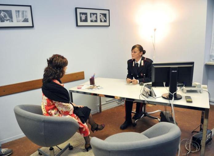 Inaugurata la sala per le audizioni delle donne vittime di violenza di genere presso la Compagnia di Carabinieri di Mirafiori, Torino, 29 settembre 2014.