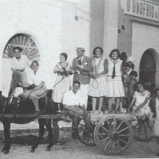 Agosto 1930-Componenti della famiglia D'Onofrio & Longo nei pressi del mulino-pastificio