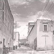 Anni '20-Via Arcivescovado-A destra le fabbriche del mulino-pastificio D'Onofrio & Longo