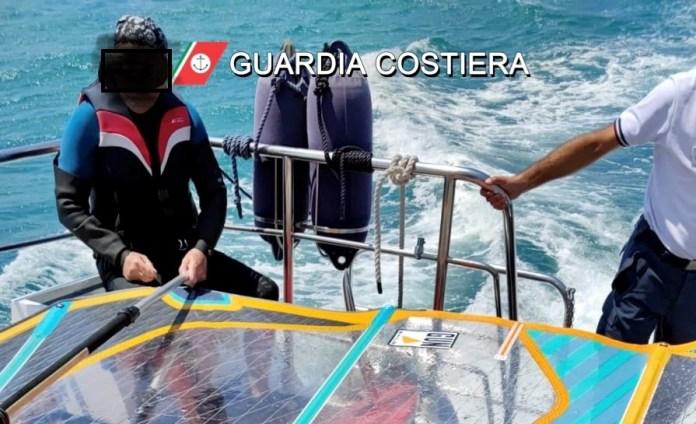 Vieste, surfista in difficoltà soccorso dalla Guardia costiera