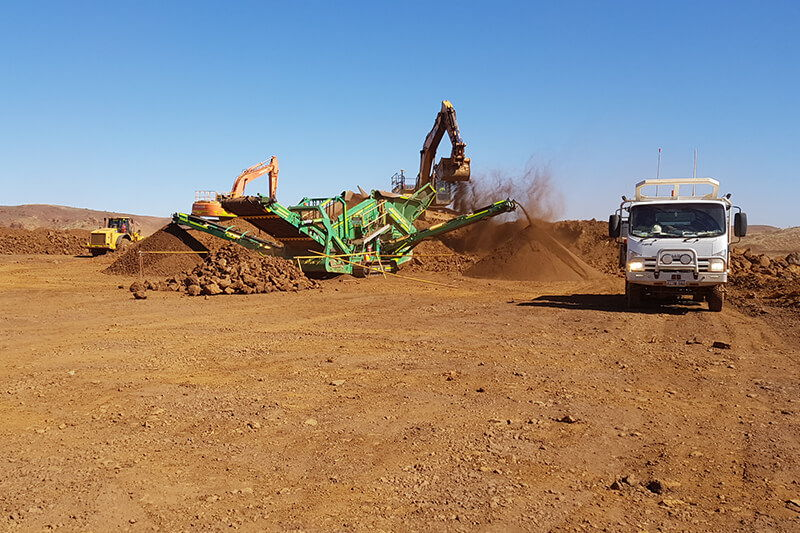Earthwork Supervision - Mobile crushing and screening plant