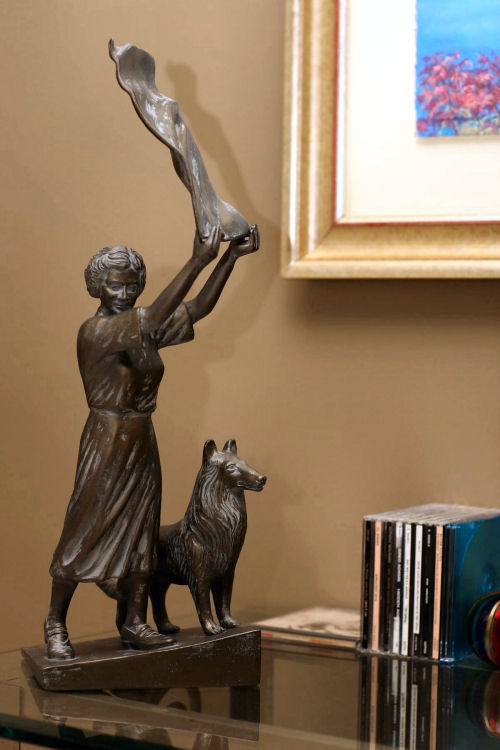 Waving Savannah Girl Sculpture