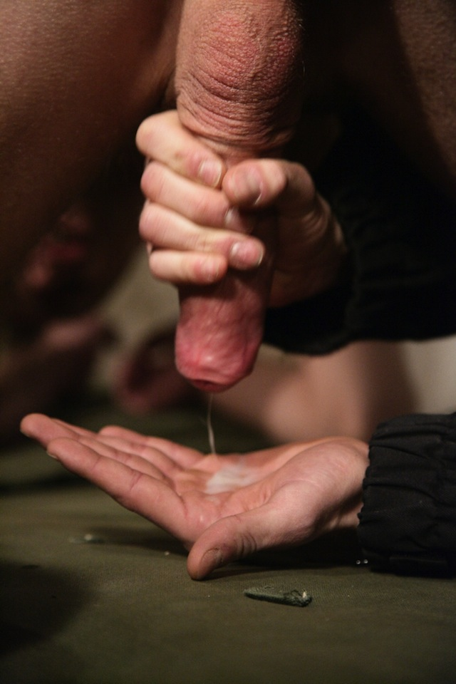 Max Fonda wanks and milks the cum from Fan Marco before fucking him with his own load! (2)