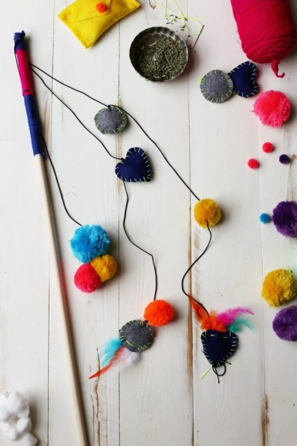 Our Favorite DIY Cat toys