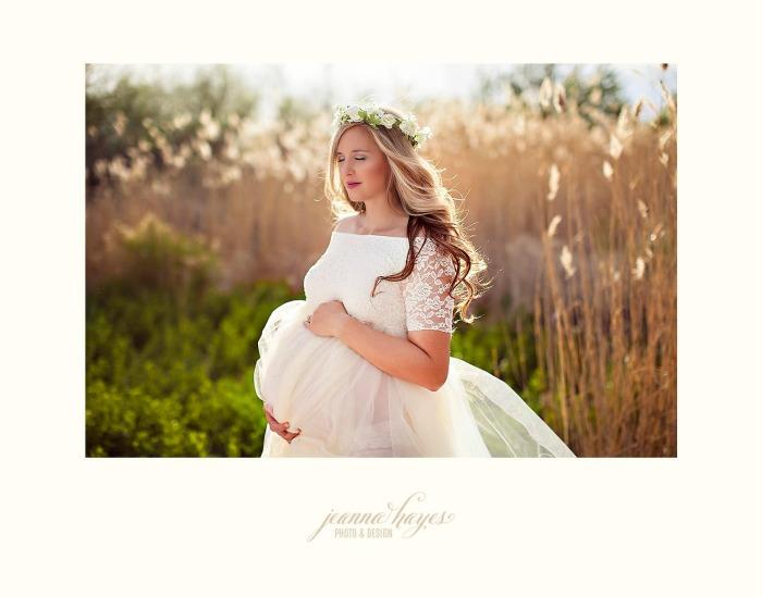 Maternity photo shoot by Jeanna Hayes at Jeannahayes.com.