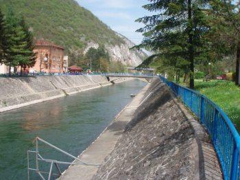 Uredjeno korito Morave kroz Ovcar Banju