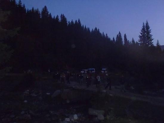Polazak planinara u 3 sata noću sa čeonim lampama