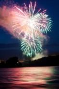 St. Croix Falls fireworks, photo by Erik Barstow (www.erikbarstow.com)