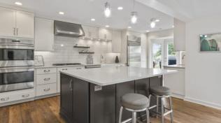 Cottage Style Kitchen on Whitewater Lake - IMG_0296-862x482