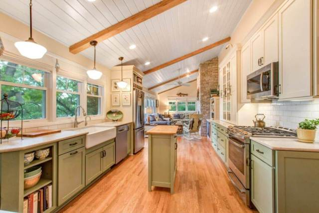 Cottage Style Kitchen on Whitewater Lake | Stebnitz Builders