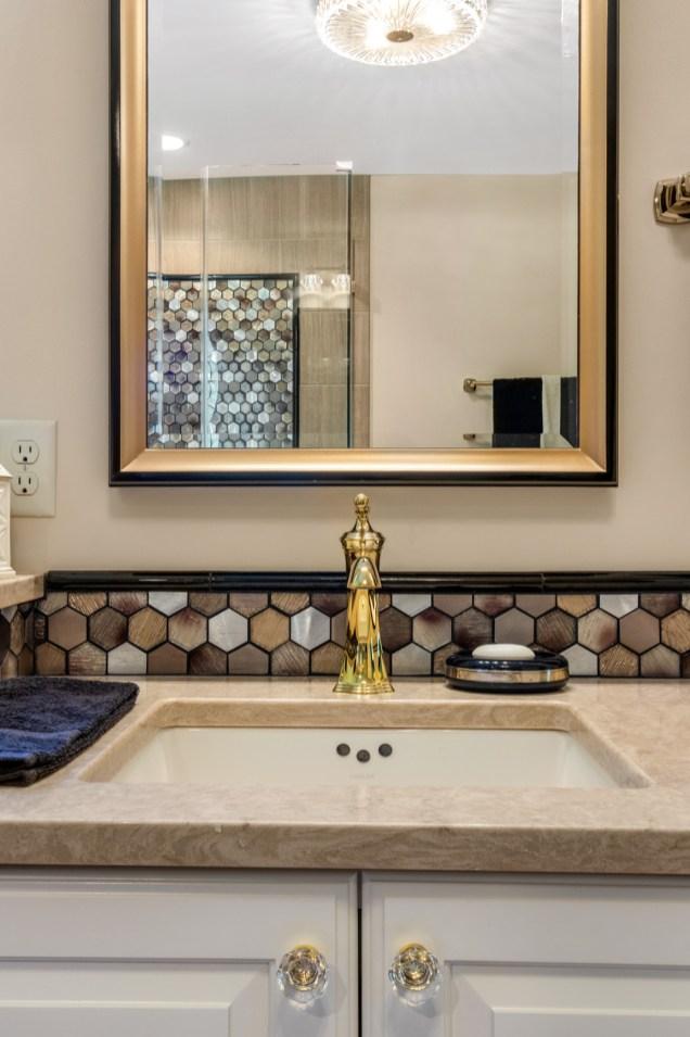 Rectangular undermount sinks with quartz countertops